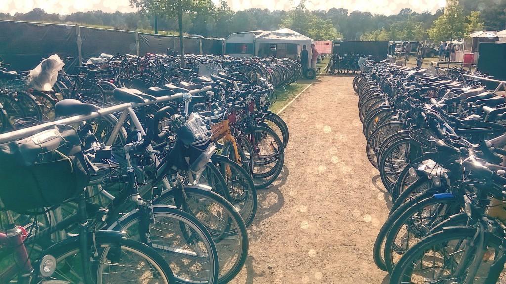 FahrradGarderobe auf dem A Summers Tale Festival